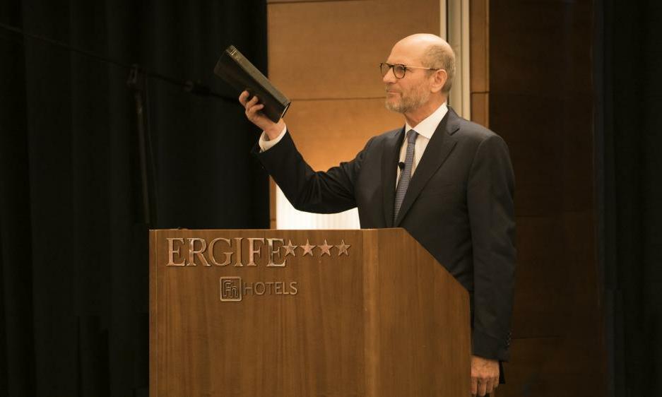 Üleilmse koguduse president kutsus teadlasi ustavusele ja kõiki koguduseliikmeid evangeeliumitöös osalema