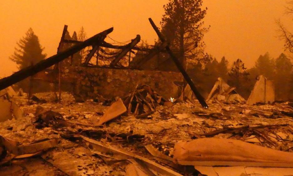 Kalifornia ajaloo laastavaim tulekahju hävitas ka kohaliku kogudusehoone ja pastori kodu