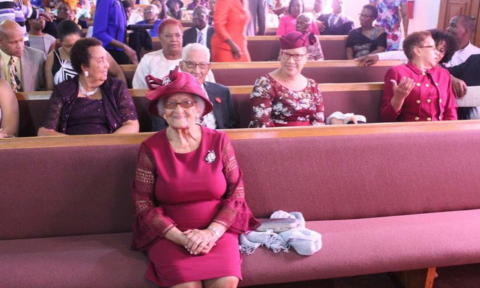 Bahama saarte esimese adventisti lapselaps tähistas 100. sünnipäeva