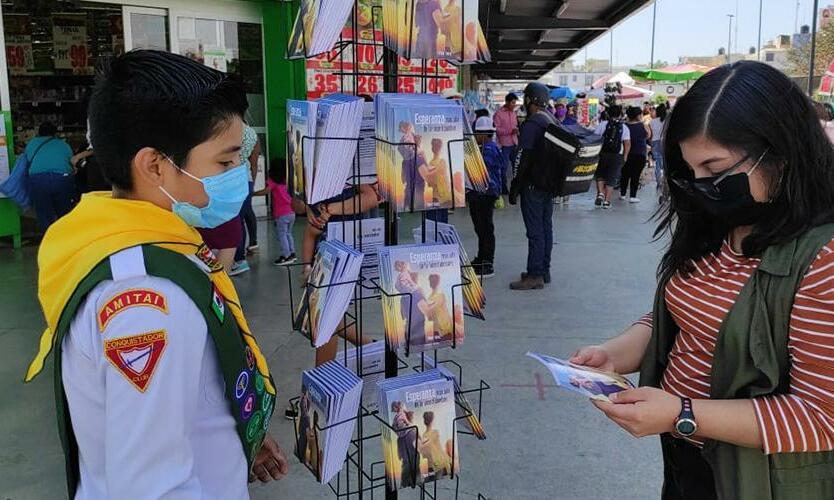 Mehhikos Chiapases jagati ühe päevaga üle miljoni misjoniraamatu